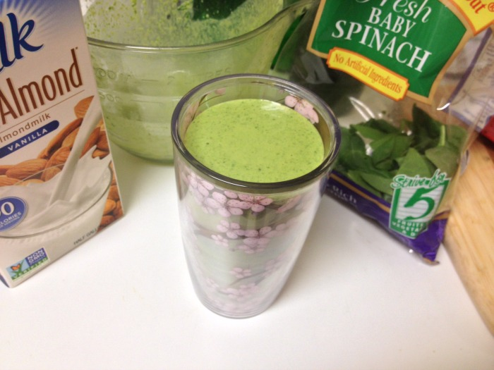 DC Girl in Pearls | Green Monster Smoothie