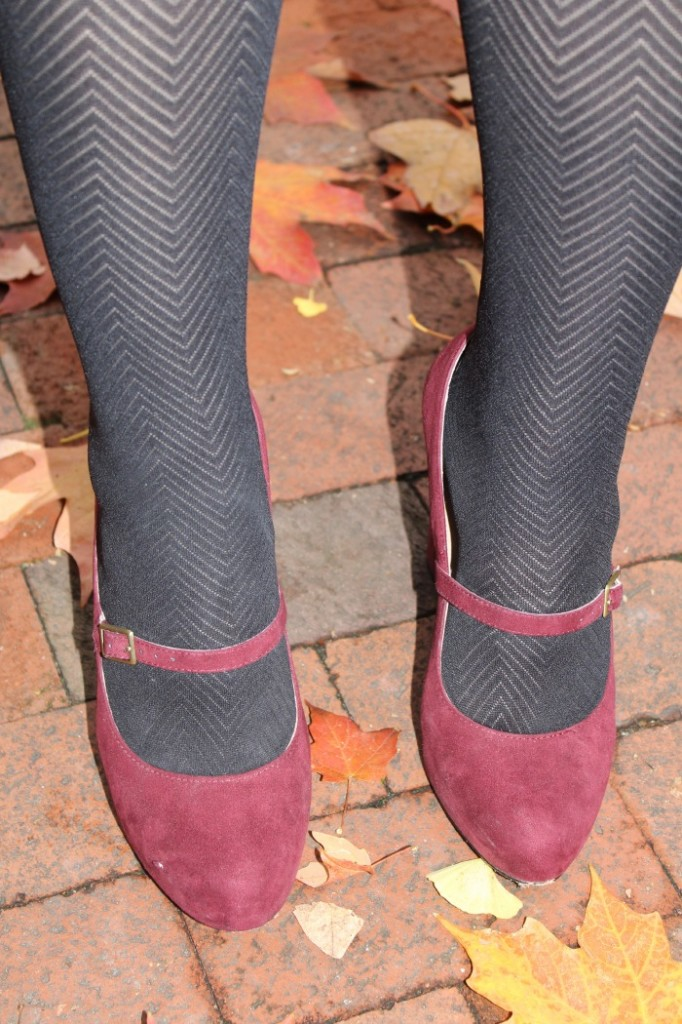 DC Girl in Pearls | Textured Tights ft. J.Crew Factory, Sole Society & Banana Republic