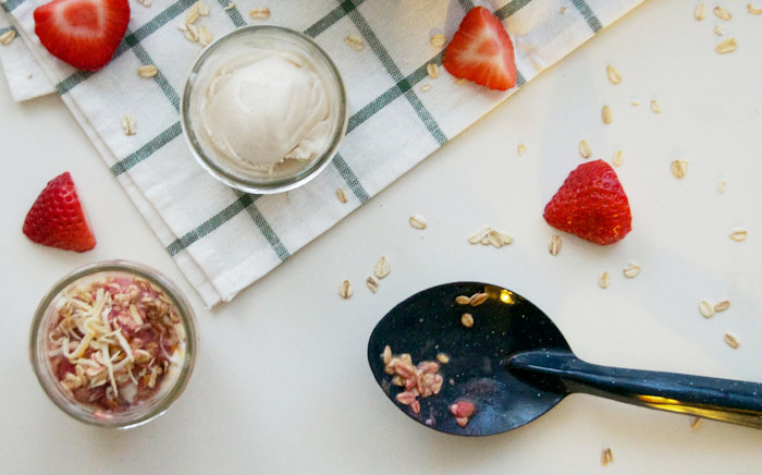 Skillet Strawberry Oatmeal | dcgirlinpearls.com