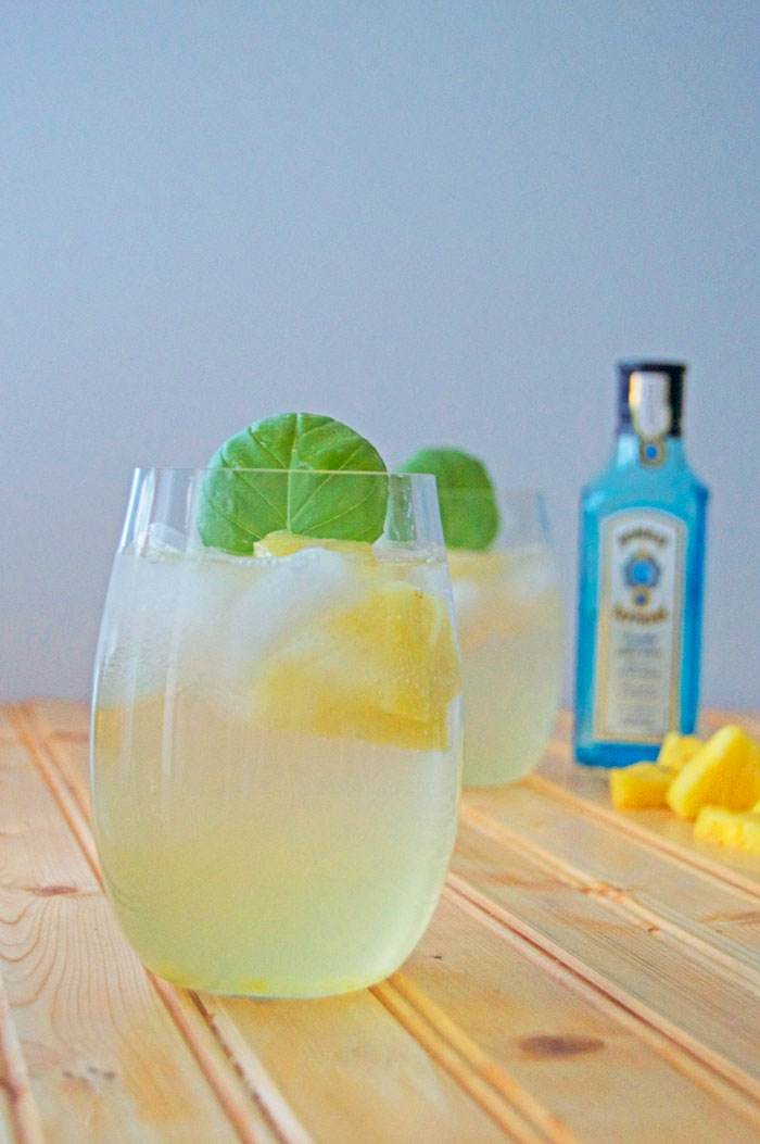 Pineapple Gin Fizz | dcgirlinpearls.com