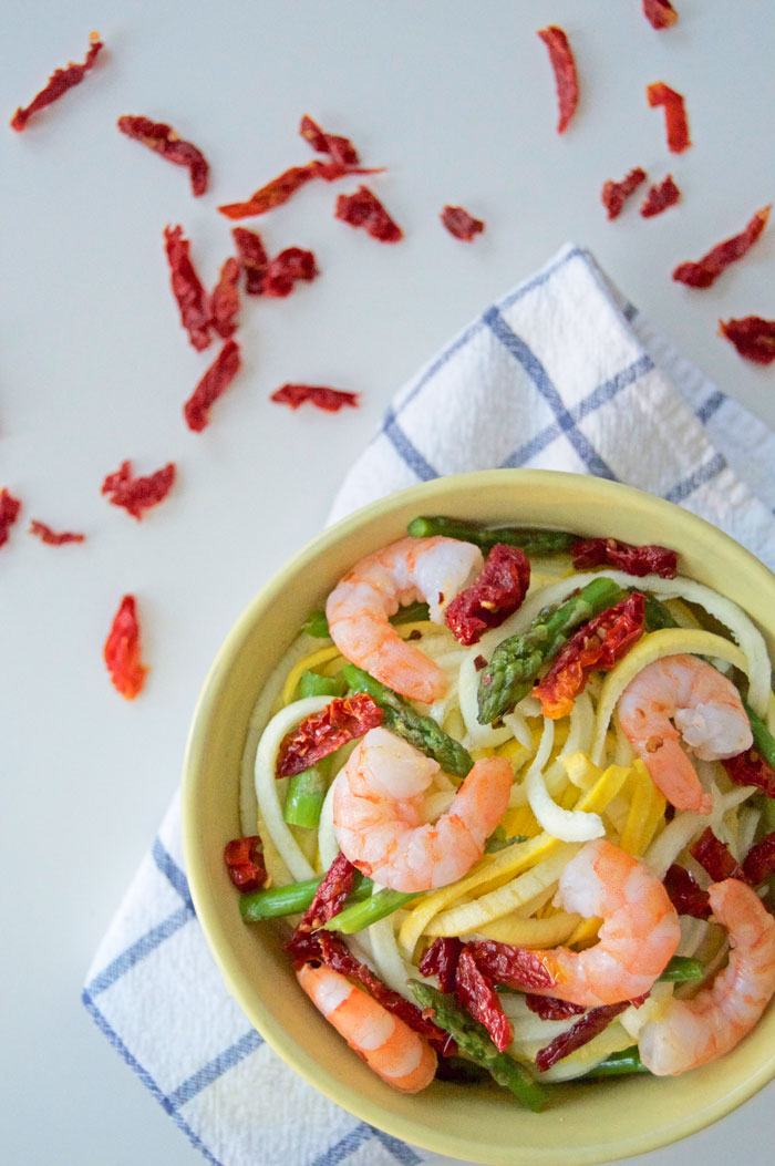 Zucchini Noodles with Asparagus, Sundried Tomatoes + Shrimp | dcgirlinpearls.com
