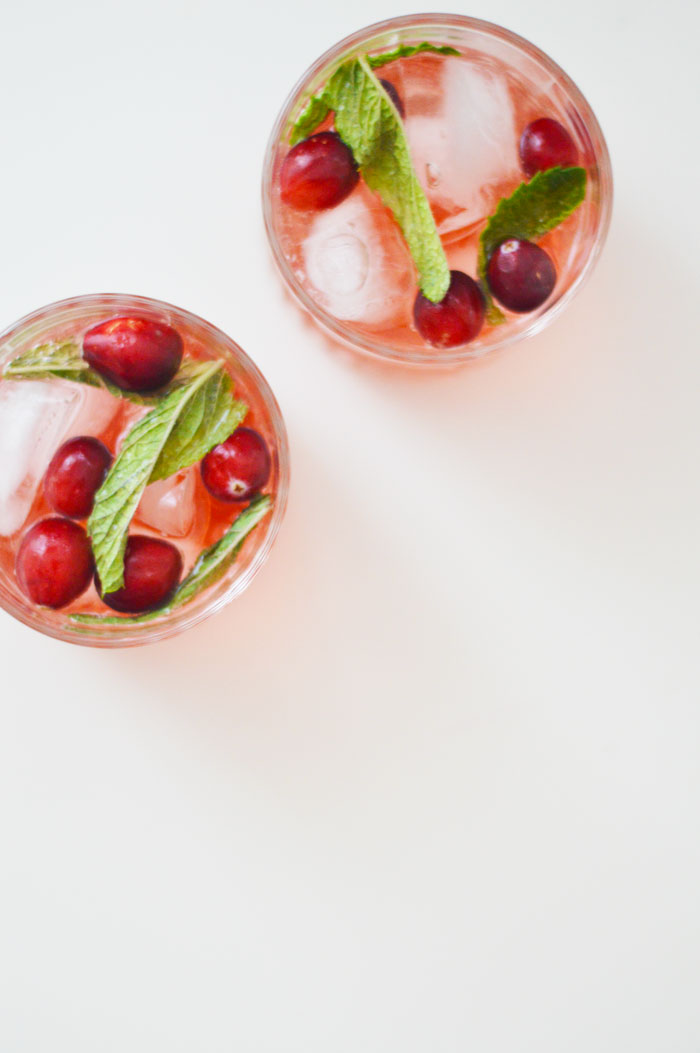 Big Batch Holiday Cocktail: Sparkling Cranberry Rosé Sangria | dcgirlinpearls.com