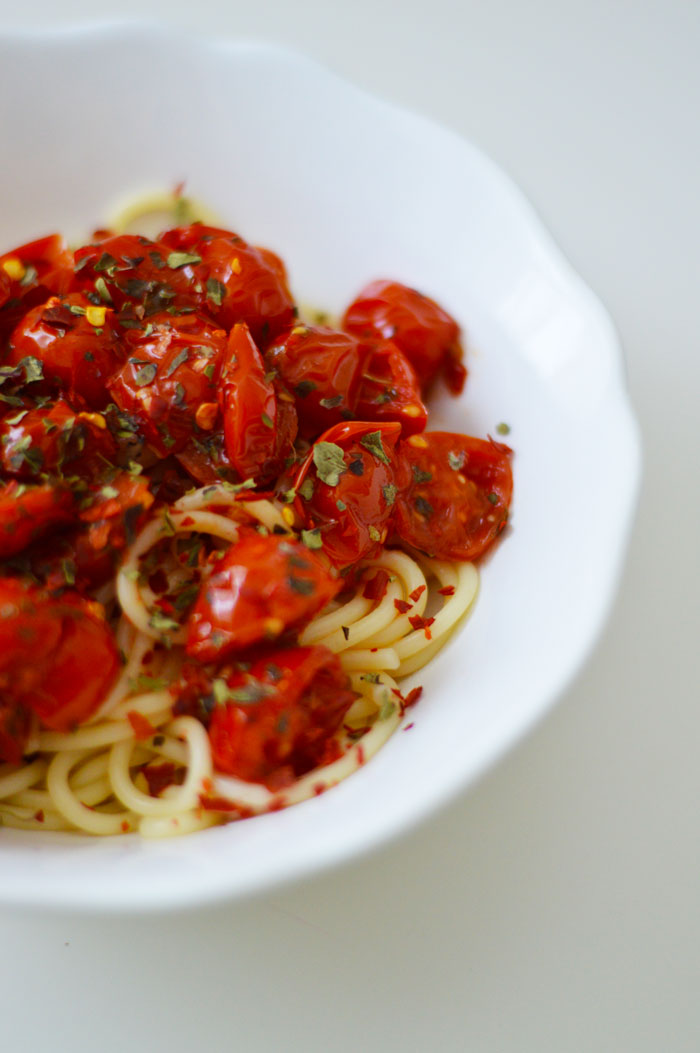 Dinner in 15 minutes? Sign me up! Spicy Arrabiata sauce will jazz up any pasta dish | dcgirlinpearls.com