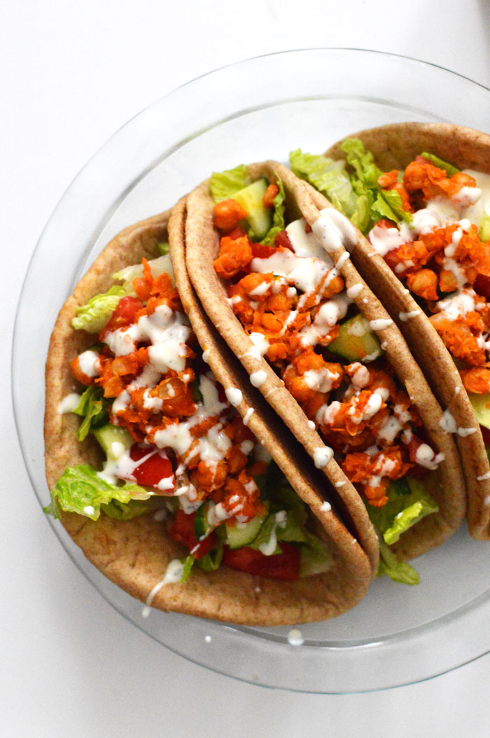 Buffalo Roasted Chickpea Wrap - perfect for lunches all week! via @ DC Girl in Pearls | dcgirlinpearls.com