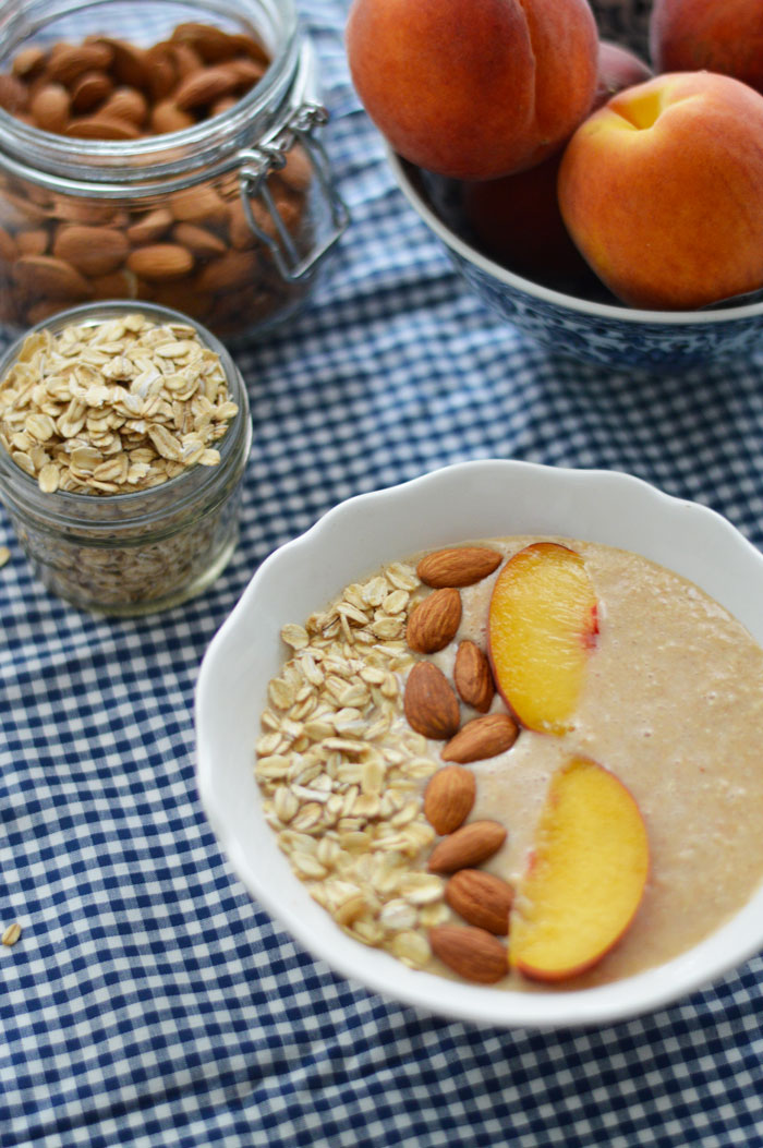 Peach-Crumble-Smoothie-Bowl