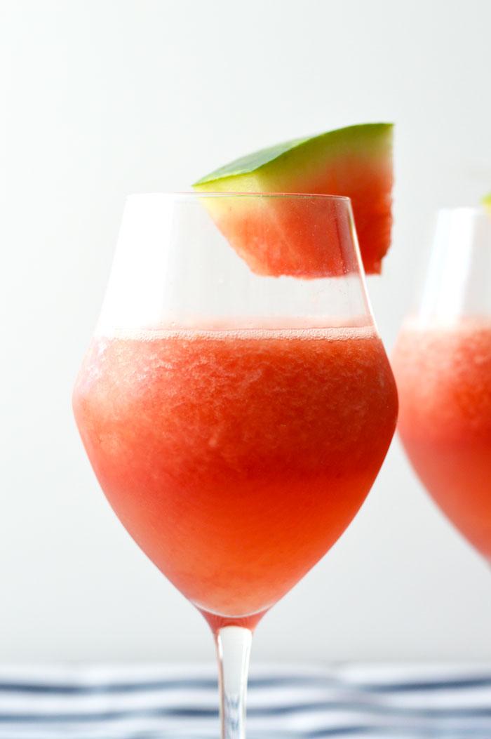 Frosé (Frozen Rosé)| dcgirlinpearls.com