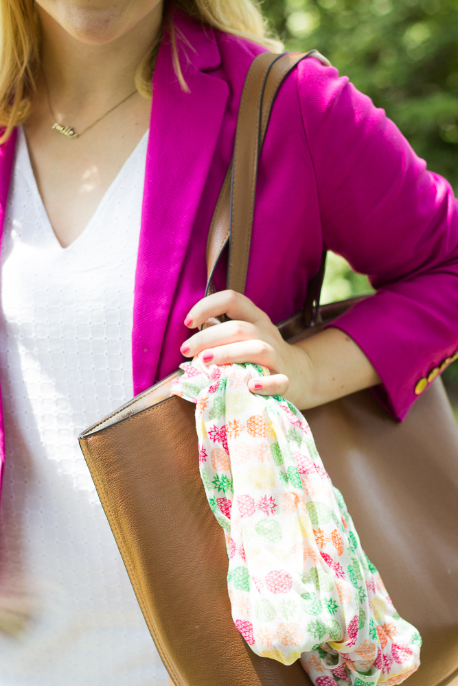 tie-a-scarf-on-your-bag