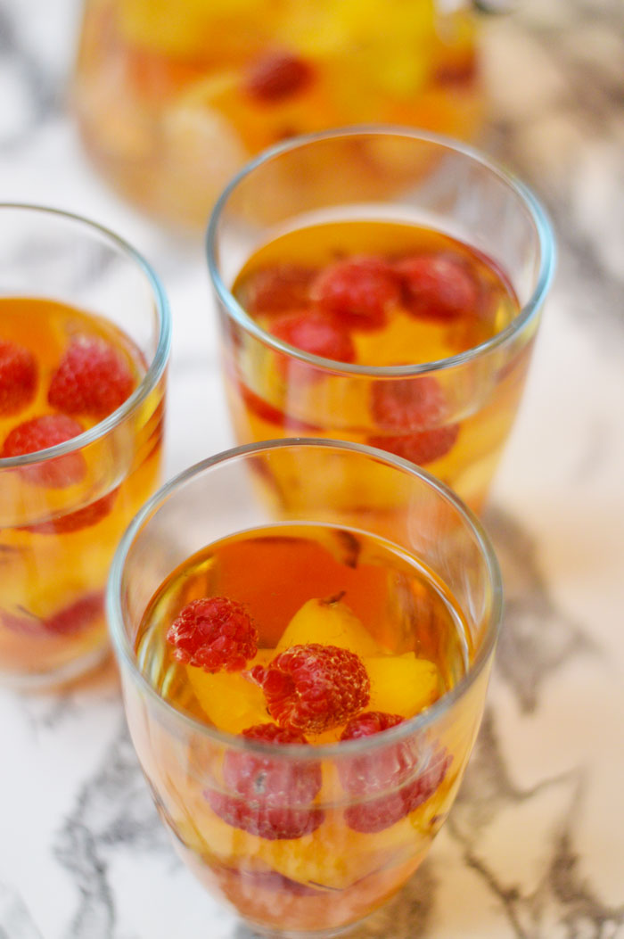 Holiday Sangria | dcgirlinpearls.com