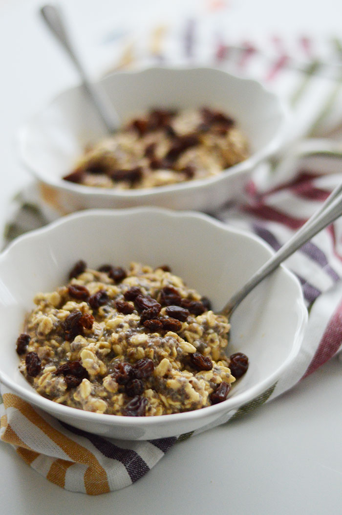 Oatmeal Cookie Overnight Oats Recipe | dcgirlinpearls.com