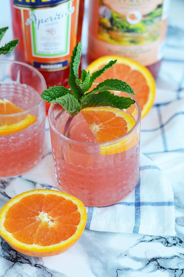 Blood Orange Mint Aperol Spritz | @dcgirlinpearls